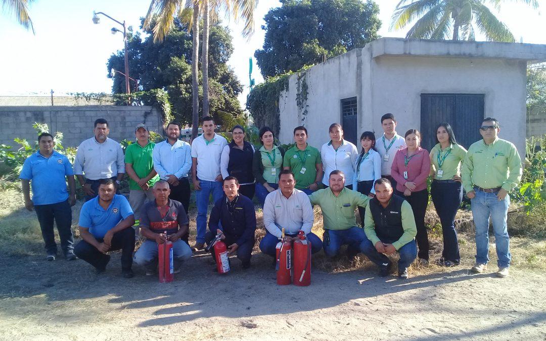Corporativo Sacsa Navolato se capacita en manejo y uso de extintores