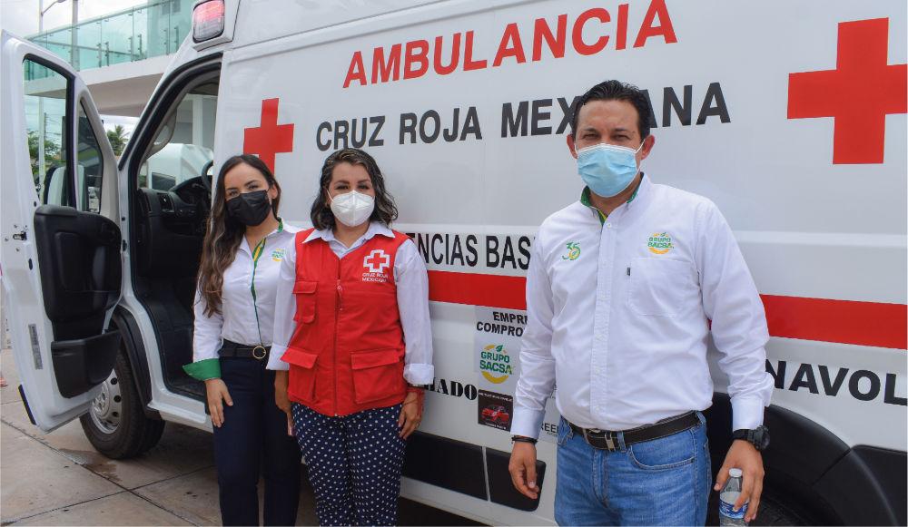 Grupo Sacsa apoya  a la entrega de una ambulancia en Navolato